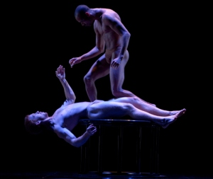 Pilobolus_On_the_Nature_of_Things_Grant_Halverson4_1